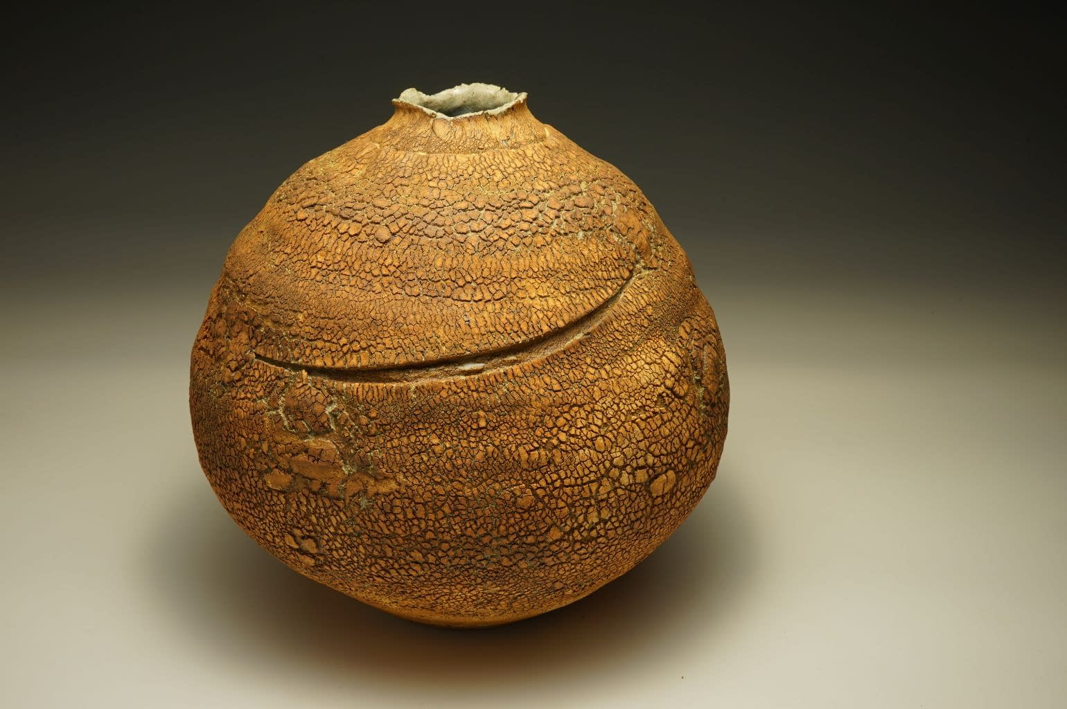 Stoneware vase with earth-textured surface (6)